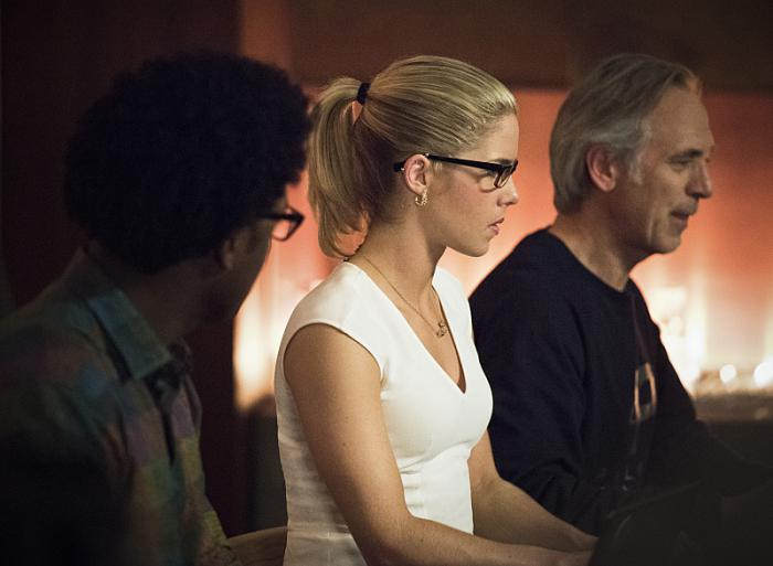arrow-season-4-the-cw-episode-22-lost-in