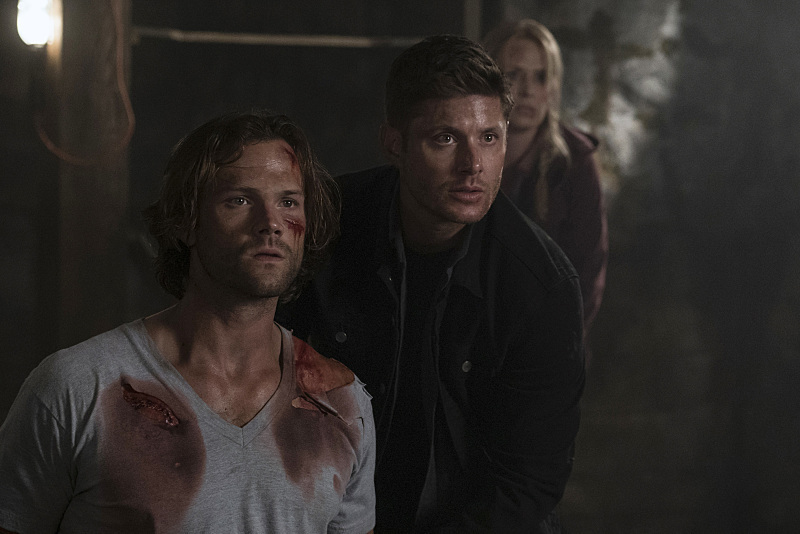"Supernatural -- ""Mamma Mia"" -- SN1202b_0196.jpg -- Pictured (L-R): Jared Padalecki as Sam, Jensen Ackles as Dean and Samantha Smith as Mary Winchester -- Photo: Katie Yu/The CW -- �© 2016 The CW Network, LLC. All Rights Reserved"